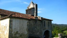 Chemin de St-Jacques église d'Harambeltz ©CDT64