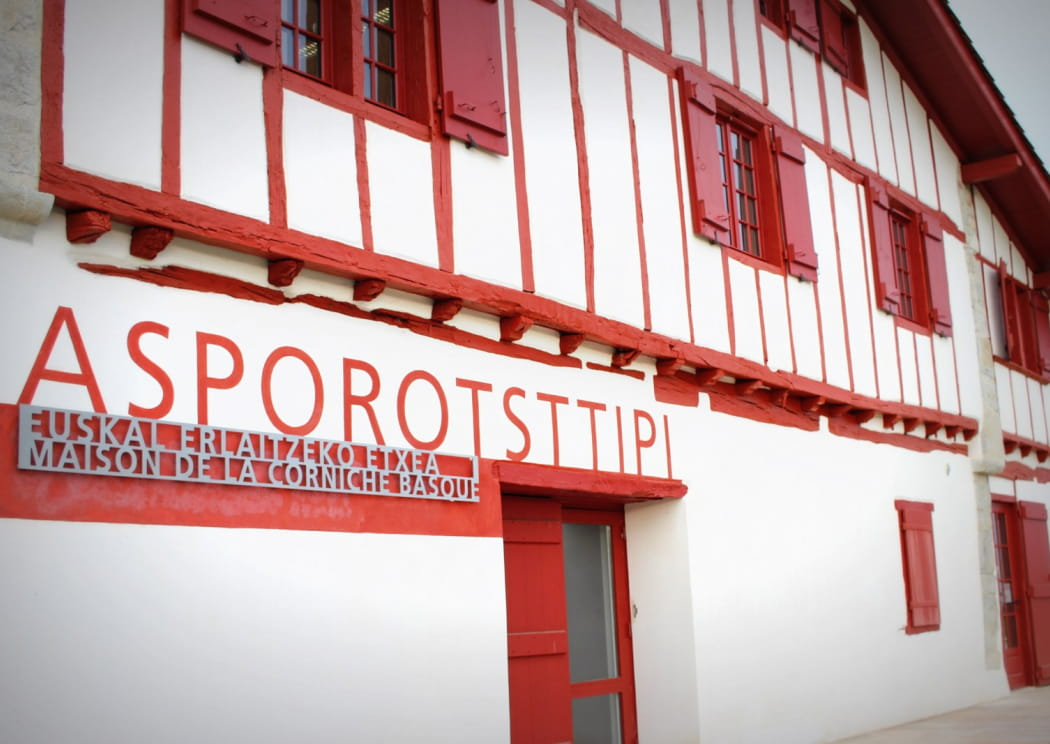 Asporotsttipi-facade