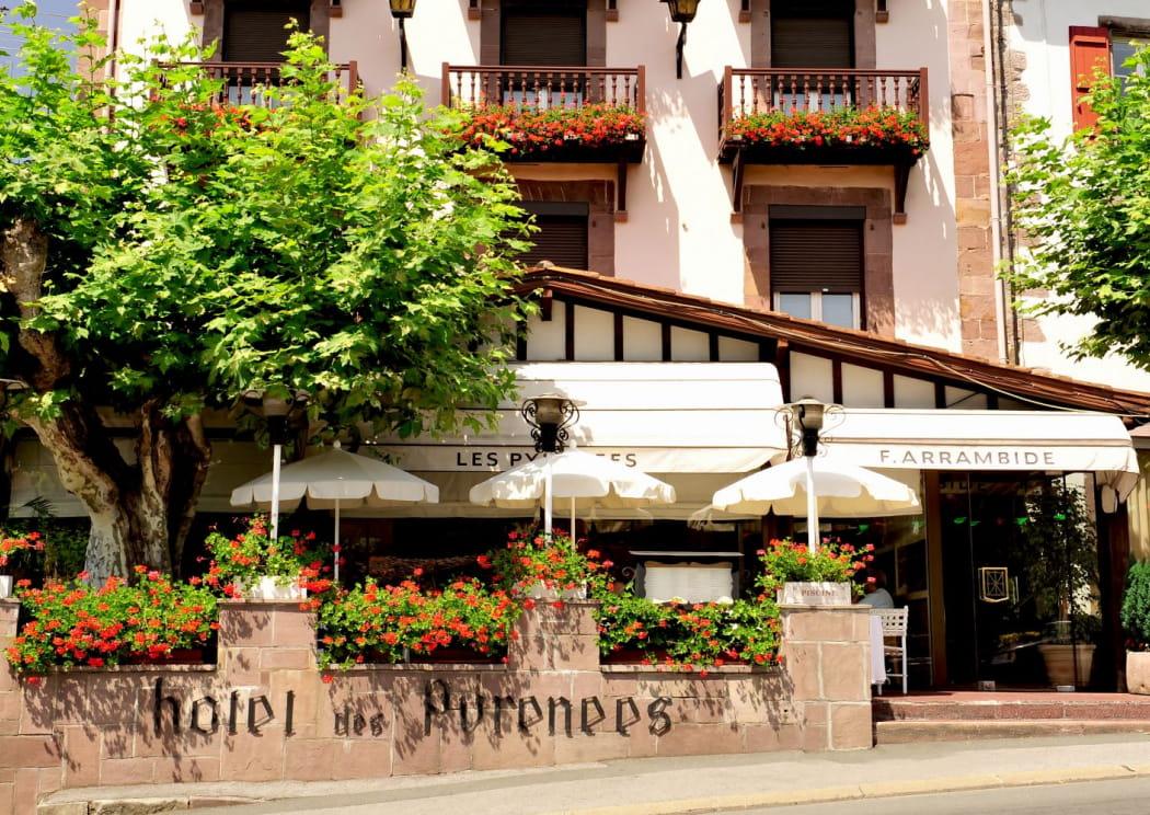 © Zazpicom - Hôtel Les Pyrénées