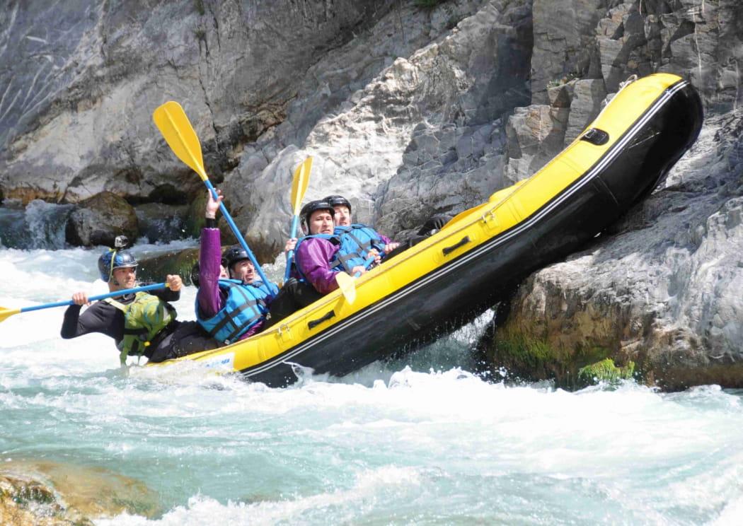 Ibayak---Rafting